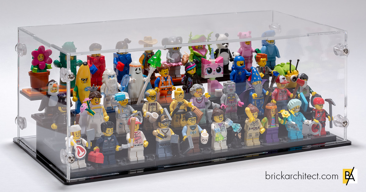 The case looks great! Here's how it looks with 40 figures crammed inside.