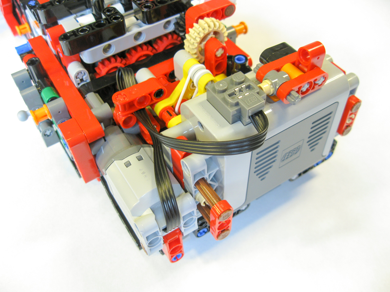 how to build a simple lego motor